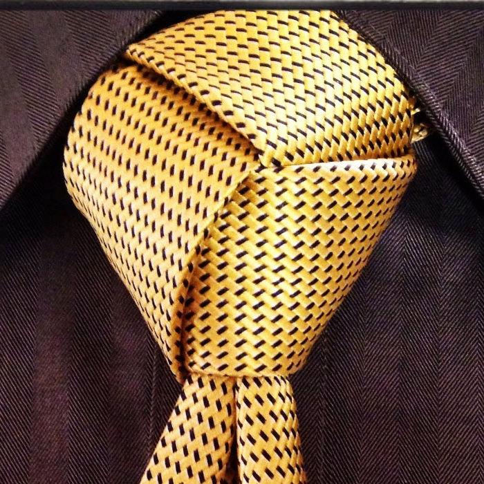 noeud de cravateTrinité